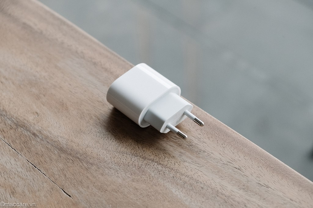 sac-nhanh-apple-iphone-20w-chinh-hang